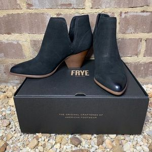 Frye Reina Cut out Bootie black sz 7. New in box.